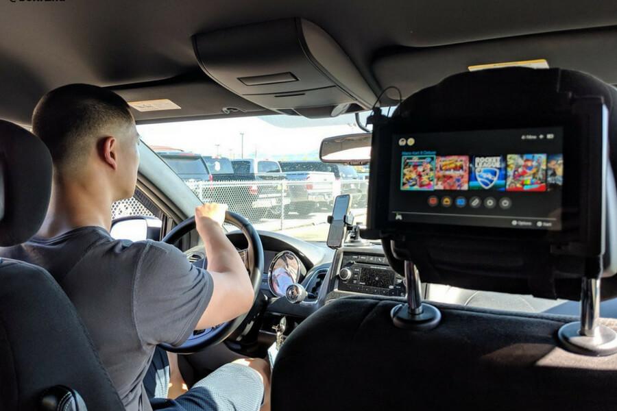 switch-in-backseat-21245-29651.jpg