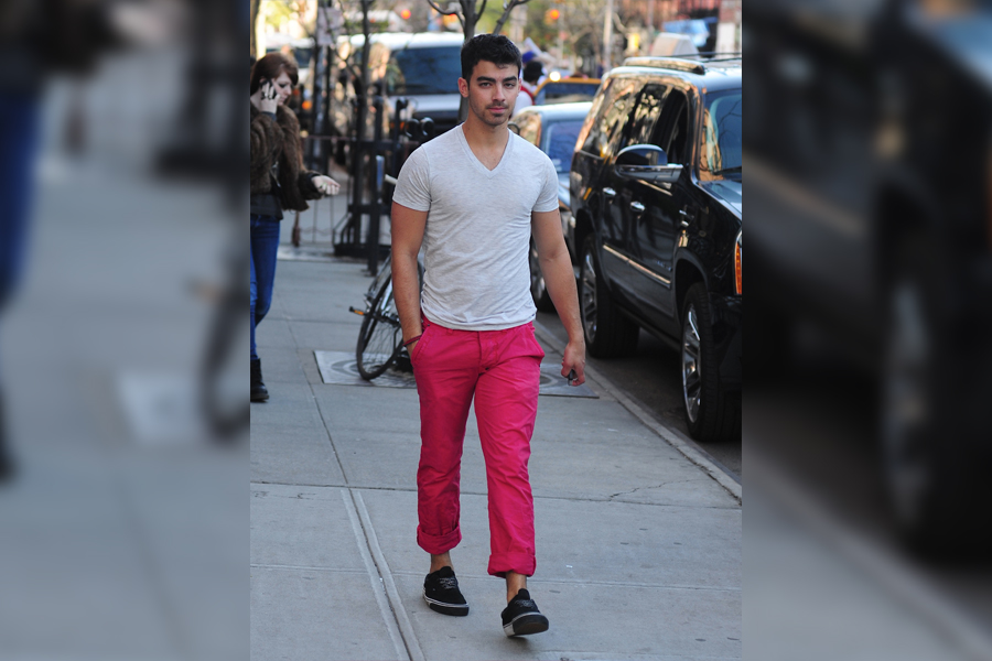joe jonas in hot pink