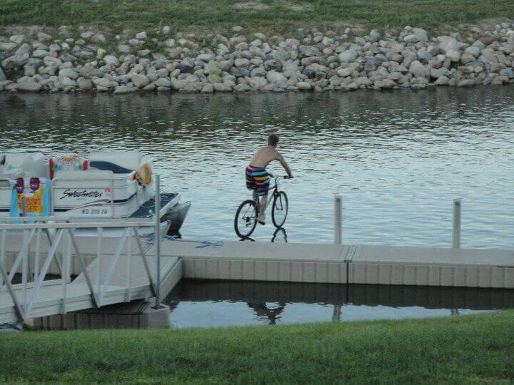 Bikes-On-Water-15538-98384-47282.jpg