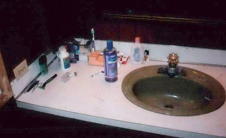 1540309181-making-a-murderer-sink