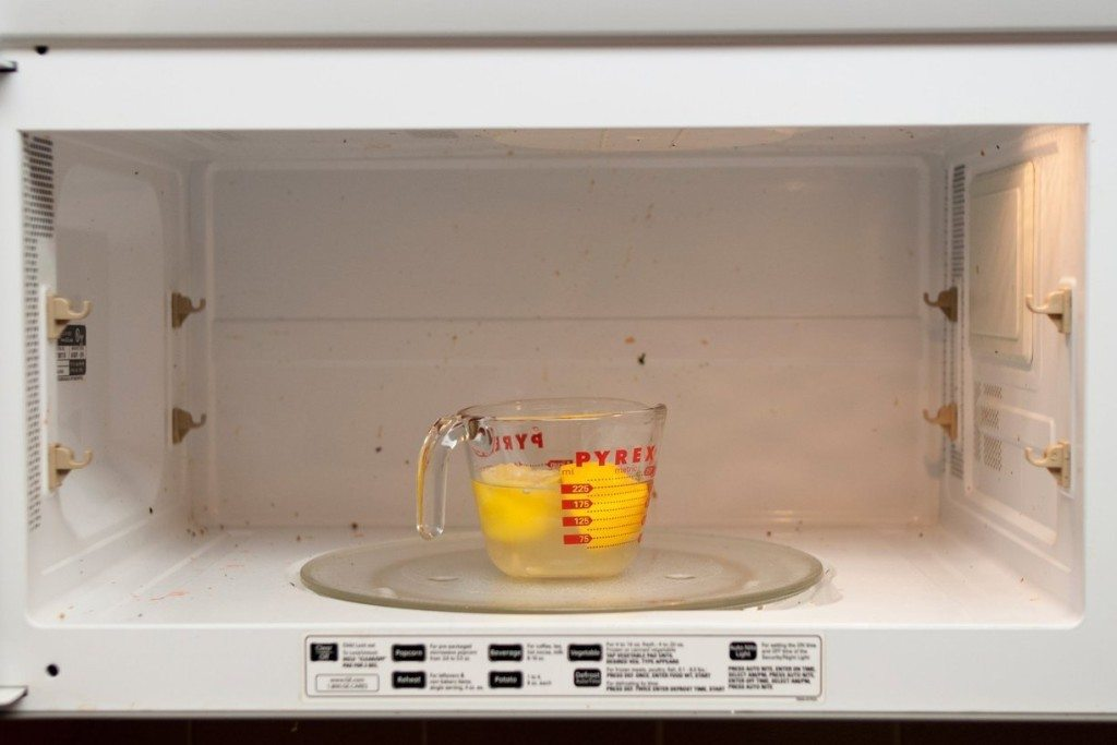 Clean-Your-Microwave-Naturally-With-Just-a-Lemon-1024x683