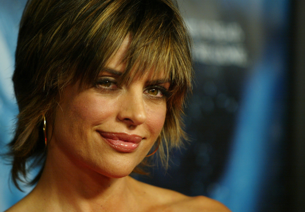 Lisa Rinna is known for her thick lips