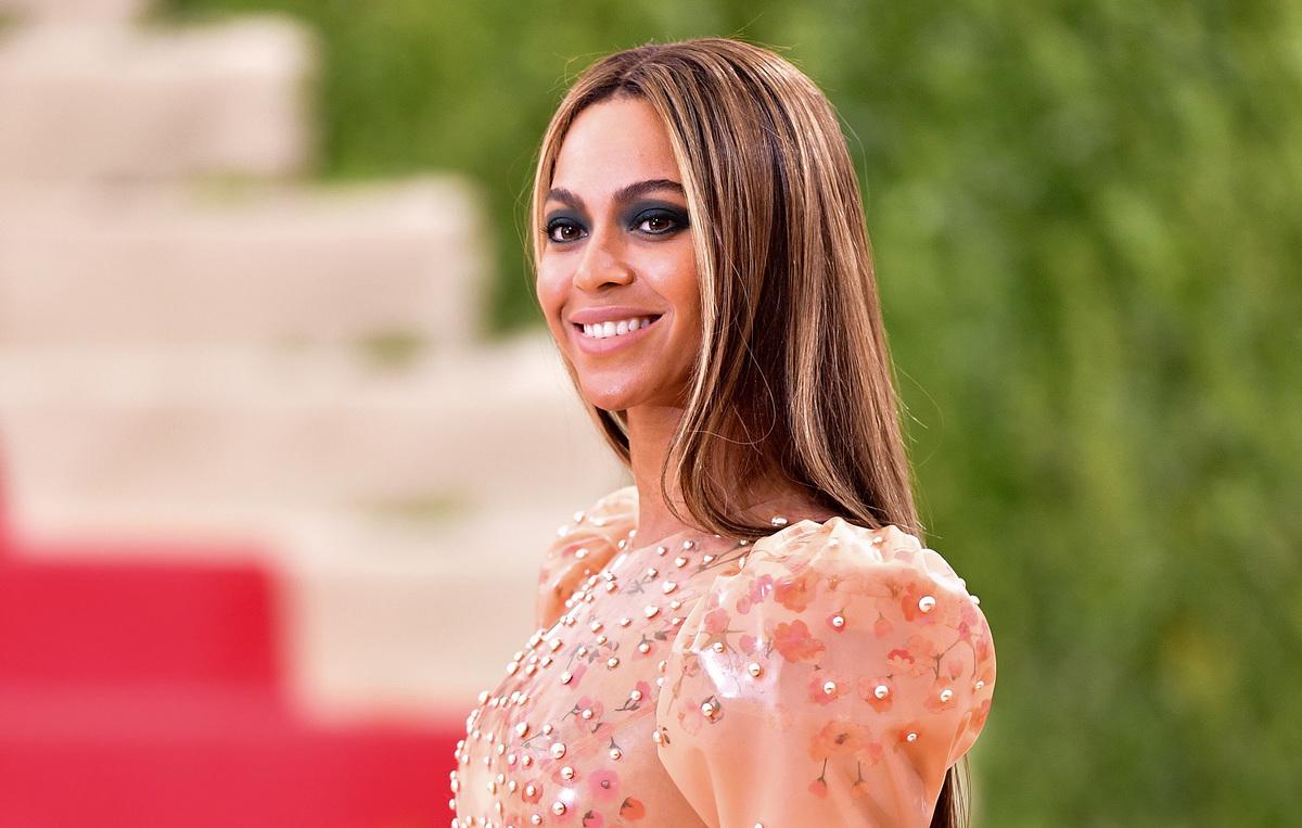 Beyonce has an oval face shape