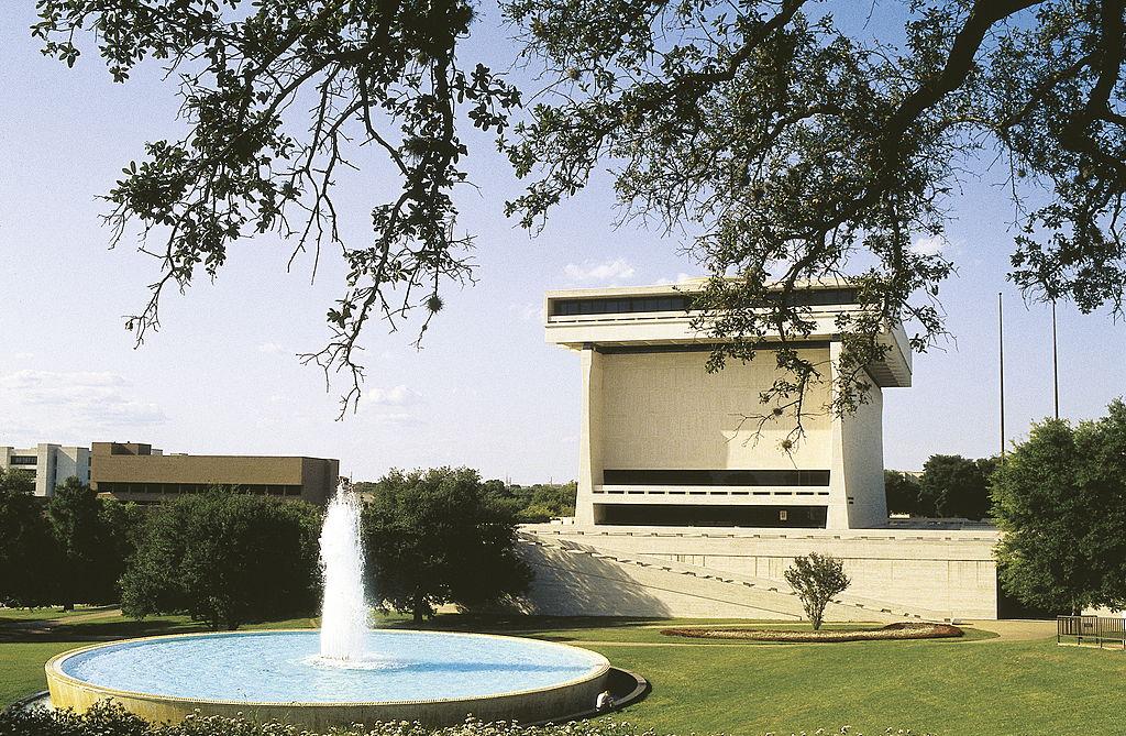 university of texas lori erica ruff