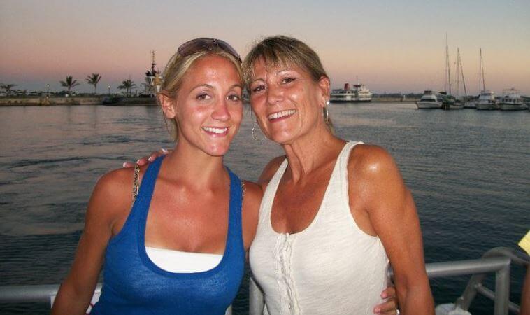 friend-Carries-friends-baby-12.jpg-21949