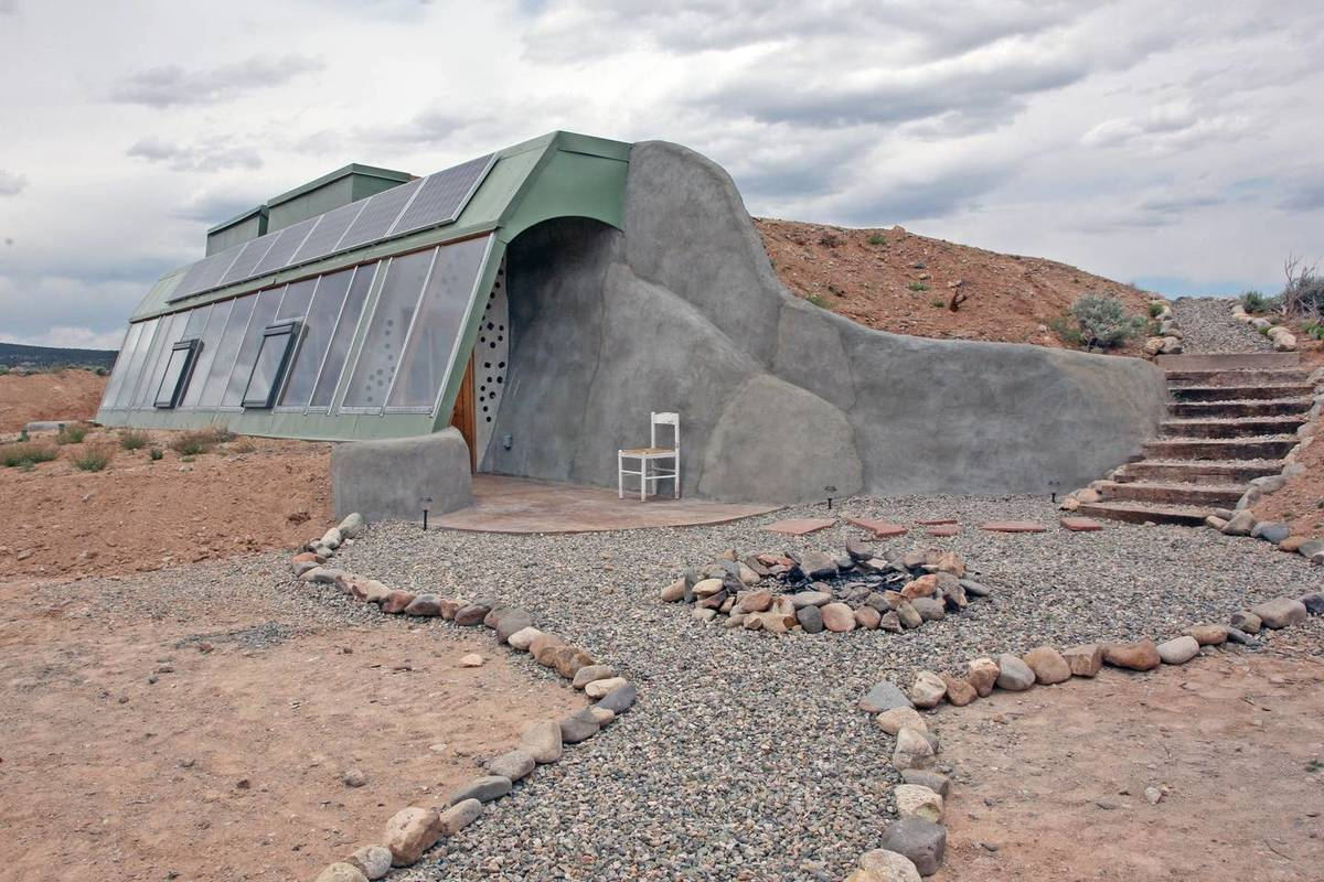 earthship airbnb new mexico