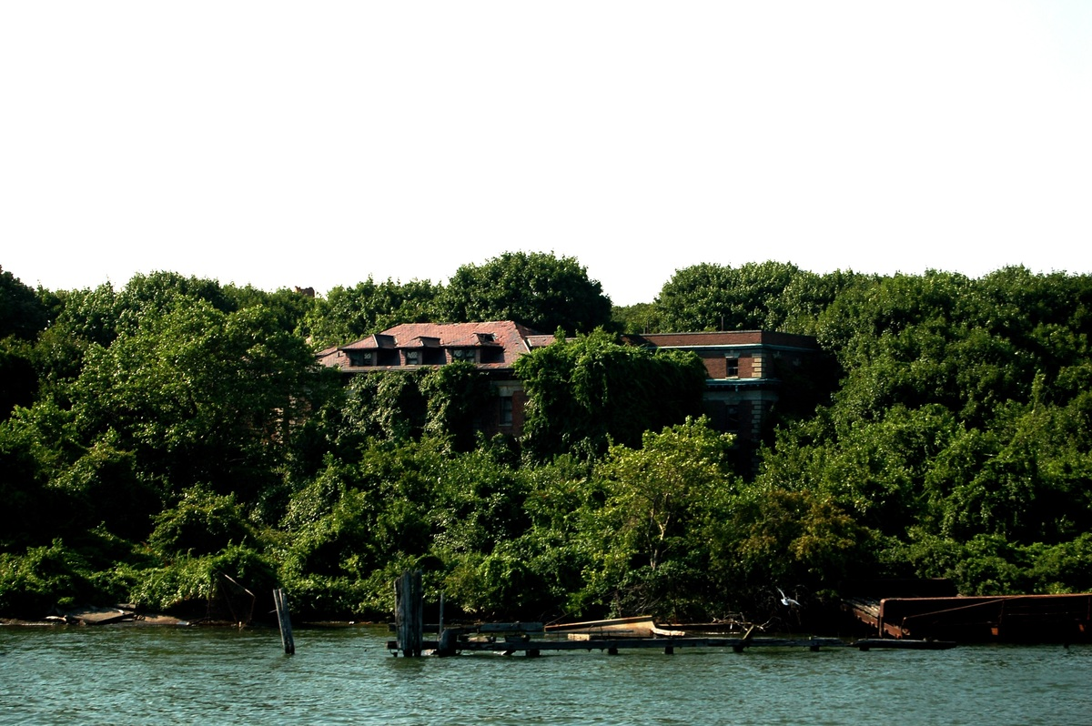 secret places new york north brother island