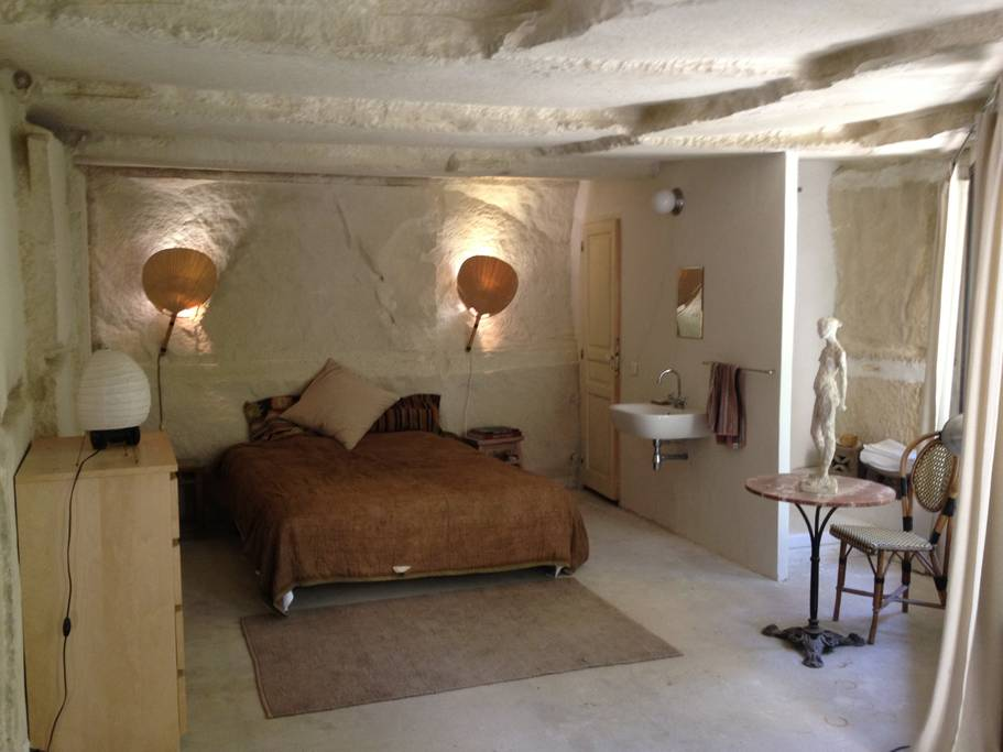 the cave airbnb offers views of the Provence-Alpes-Côte d'Azur region.