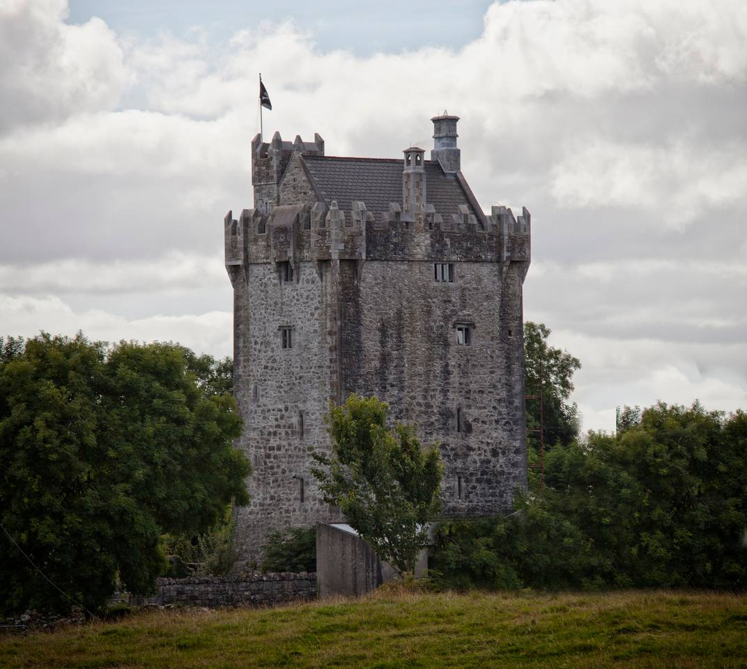 castle airbnb in ireland