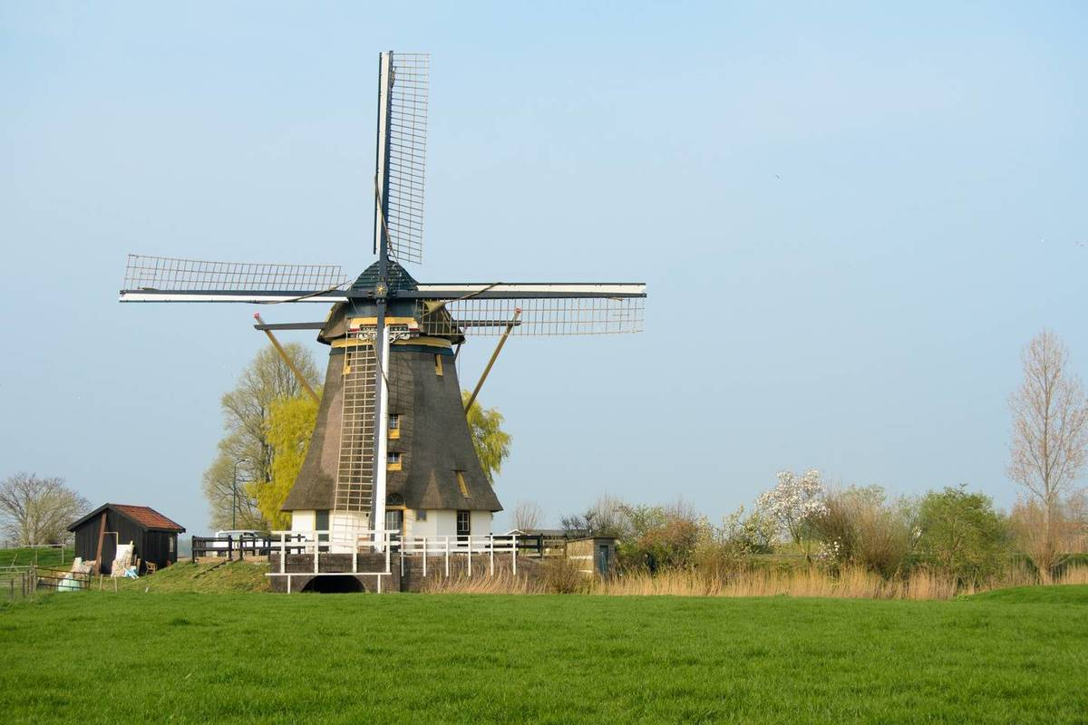 dutch windmill airbnb