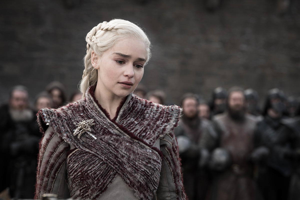 daenerys wearing red instead of white