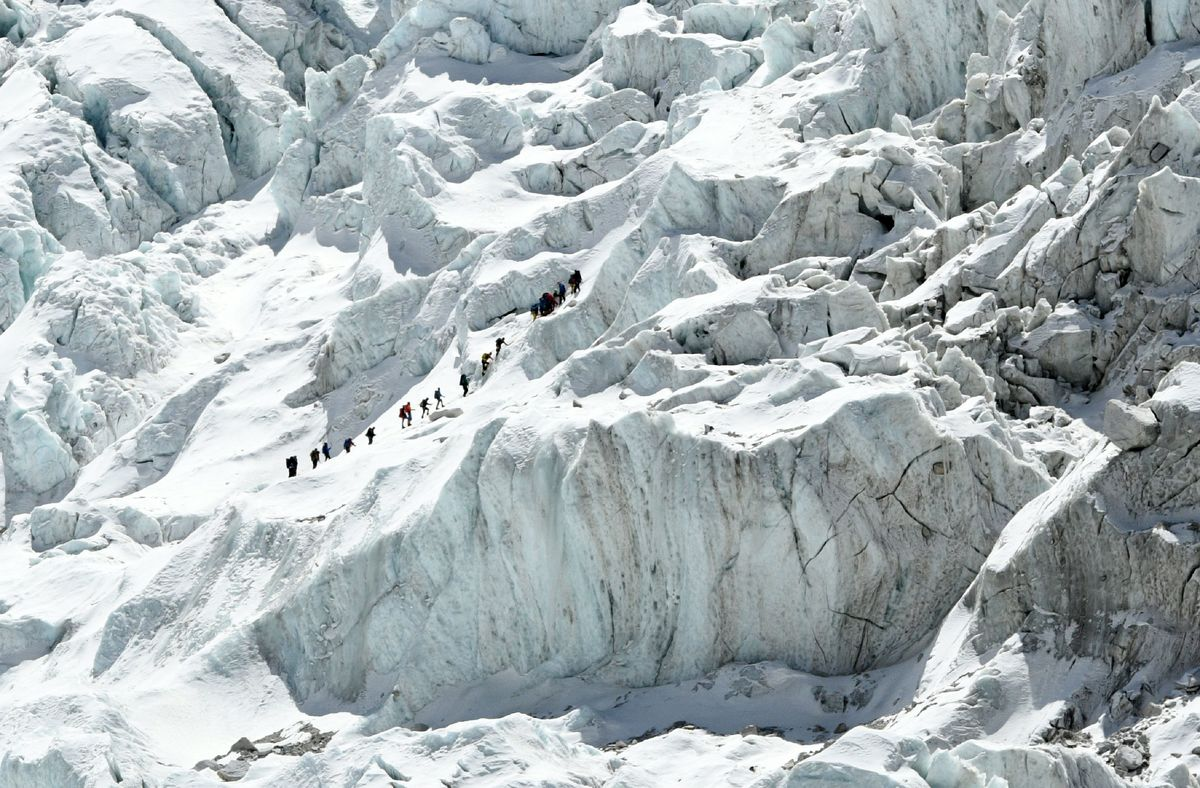 Climbers hike up Everest in Nepal