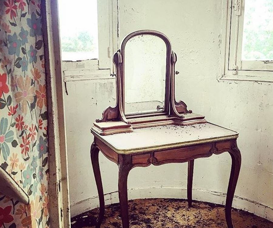 ancient dressing table discovered in the Chateaus attic
