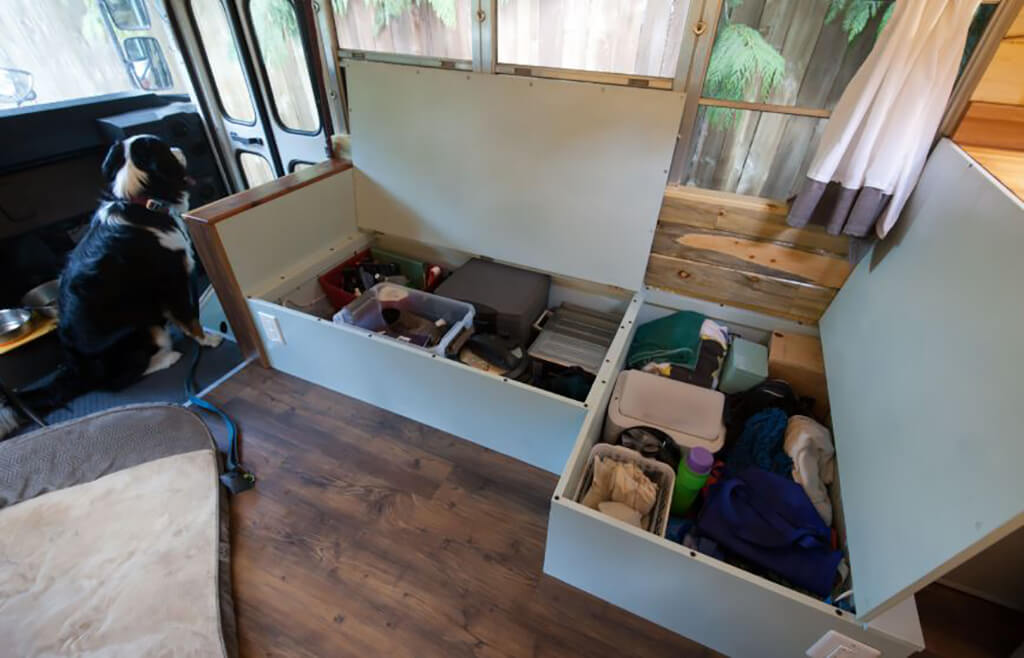 couple-builds-dream-home-school-bus_014-62606-99005