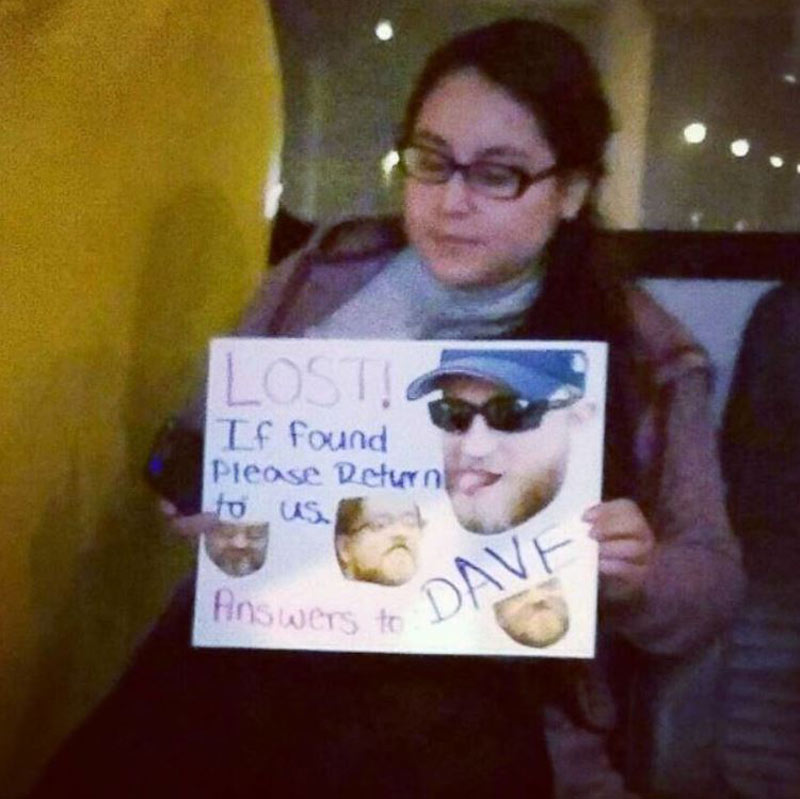 funny-airpot-signs-boyfriend.jpg-76994