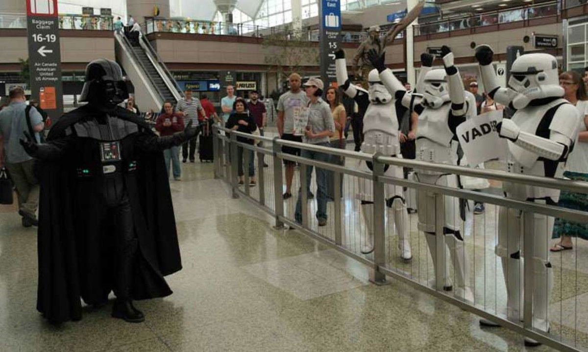 Darth-Vader-Airport-pickup-62922