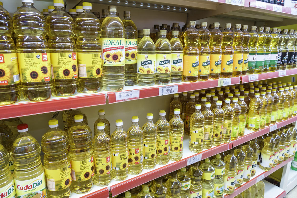 Shelves of sunflower oil for sale in a supermarket in San Telmo.