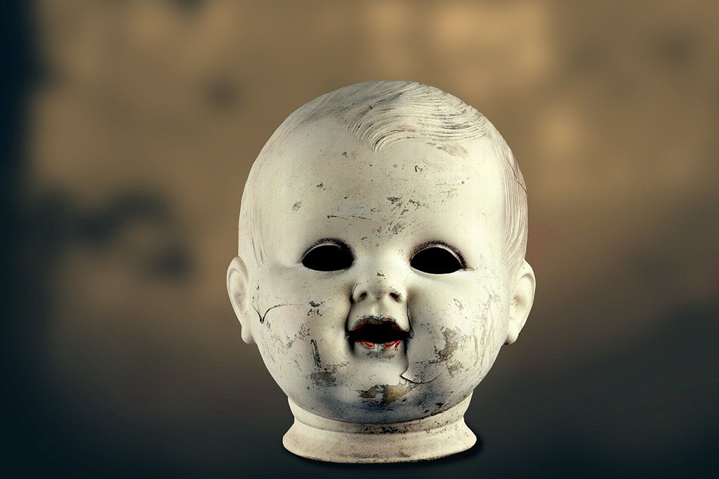 Doll head with no eyes