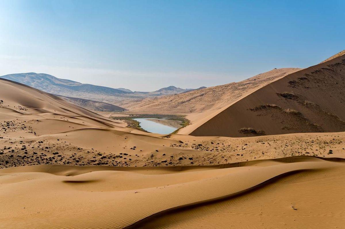 mysterious desert lakes