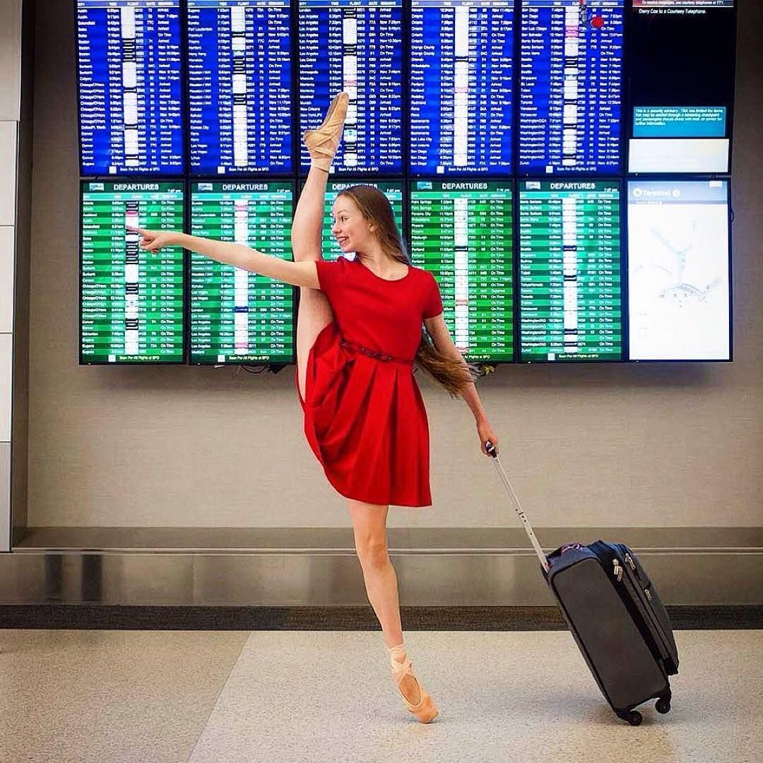 Case En Pointe -- People Do Some Strange Things At The Airport