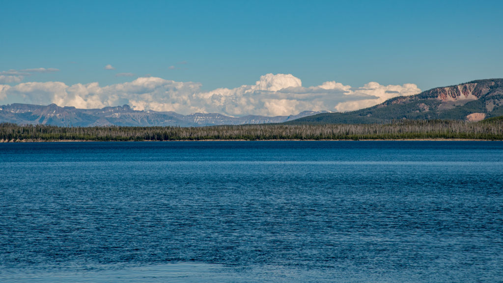 mysterious yellowstone lake wyoming