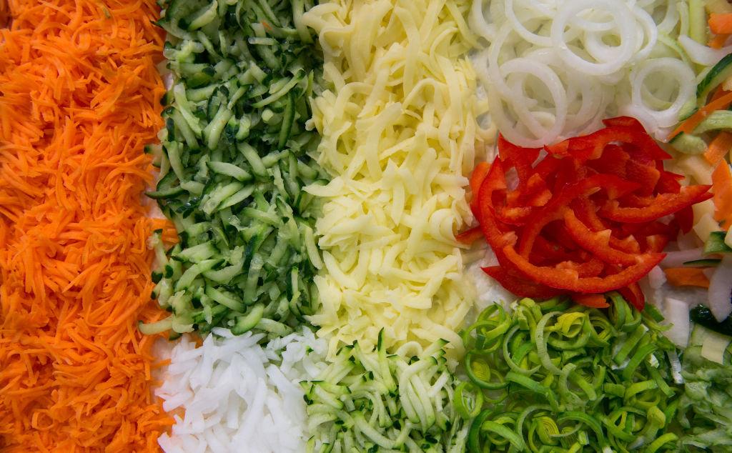 sliced-veggies-1042192982