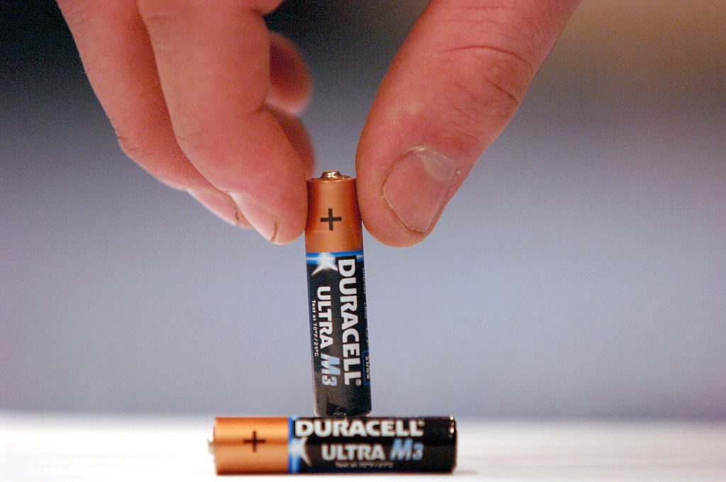 aaa batteries can be hacked to be aa
