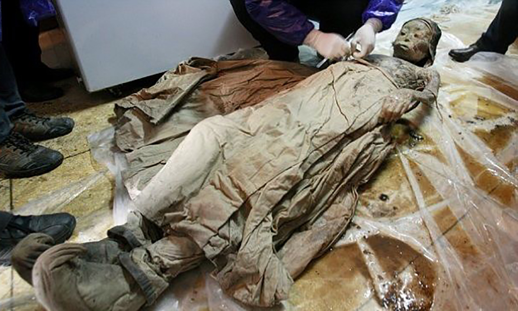 Mummy being analyzed