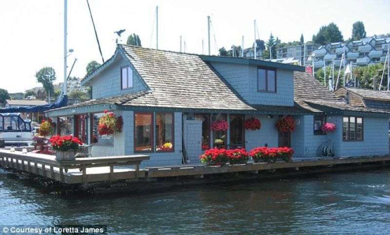 Sleepless In Seattle's Floating Home