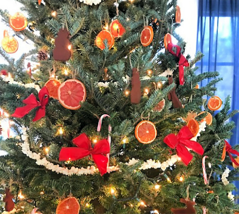 A tree is has predominately decorations made from food.