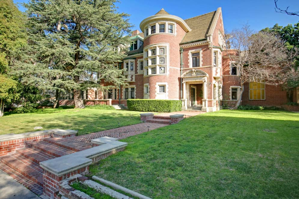 American Horror Story: Murder House Might Be Haunted