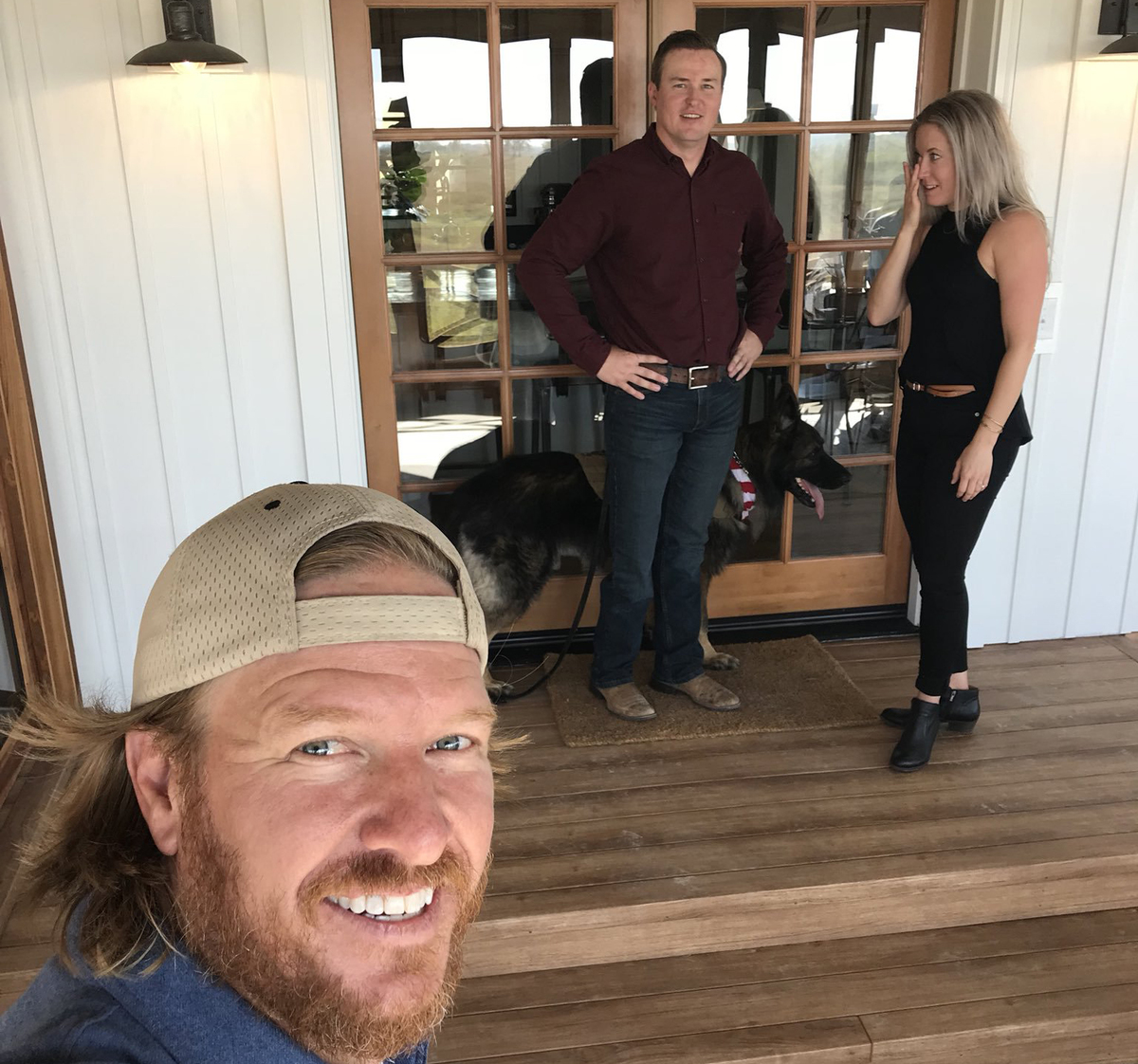 Chip Gaines takes a selfie with TJ and Stephanie for Fixer Upper.