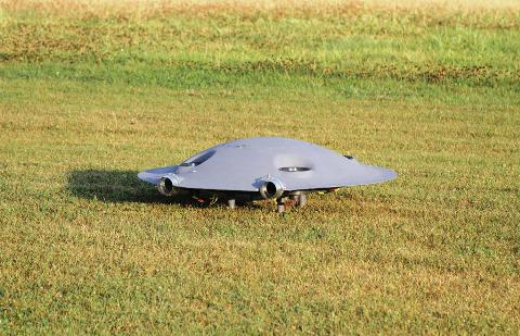 Saucer on the ground