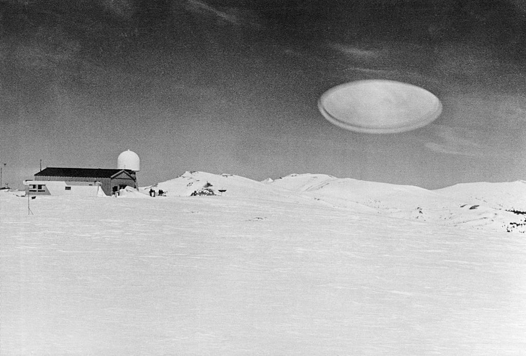 Flying saucer in the snow