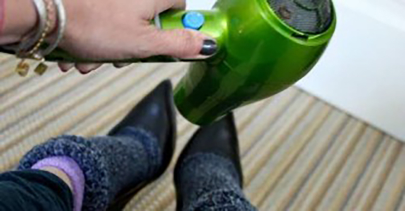 hairdrying-shoes
