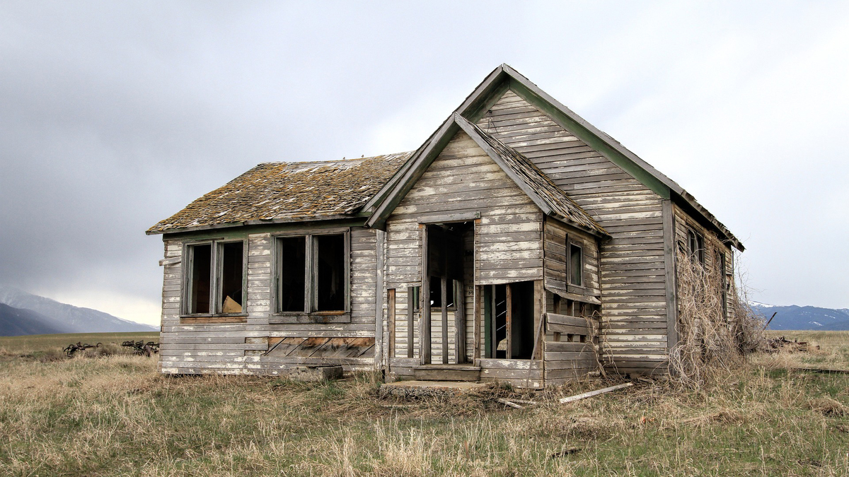 old-farm-house-2096647_1920