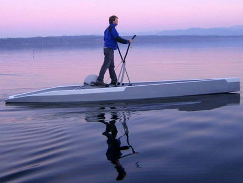 Tu-Fin Elliptical Boat Makes It Possible To Walk On Water