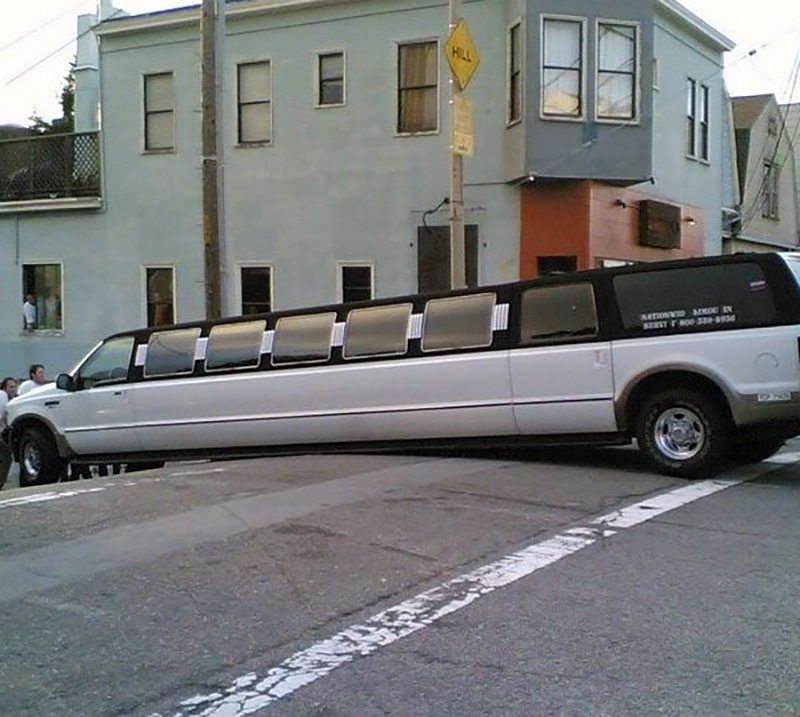 stretch-limo-stuck-on-hill