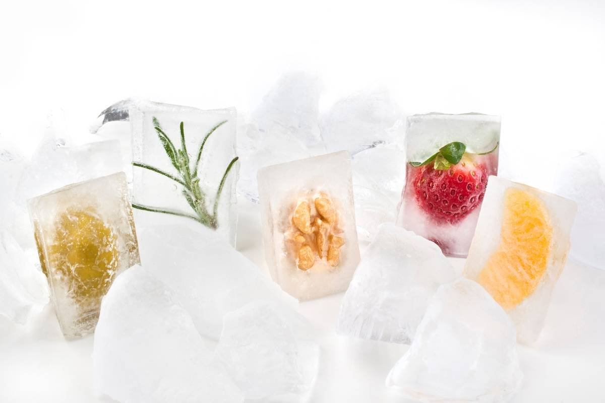 Ice cubes contain fruits, vegetables, and nuts.