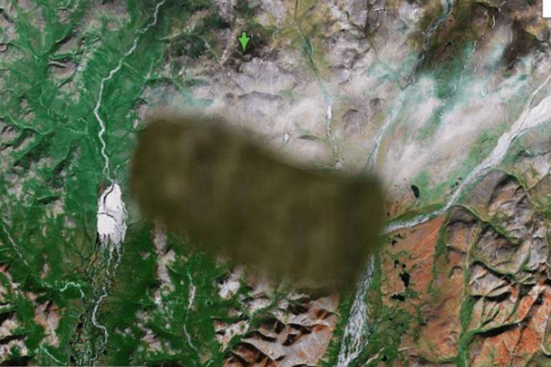 A brown blur covers an area in Siberia on Google Maps.