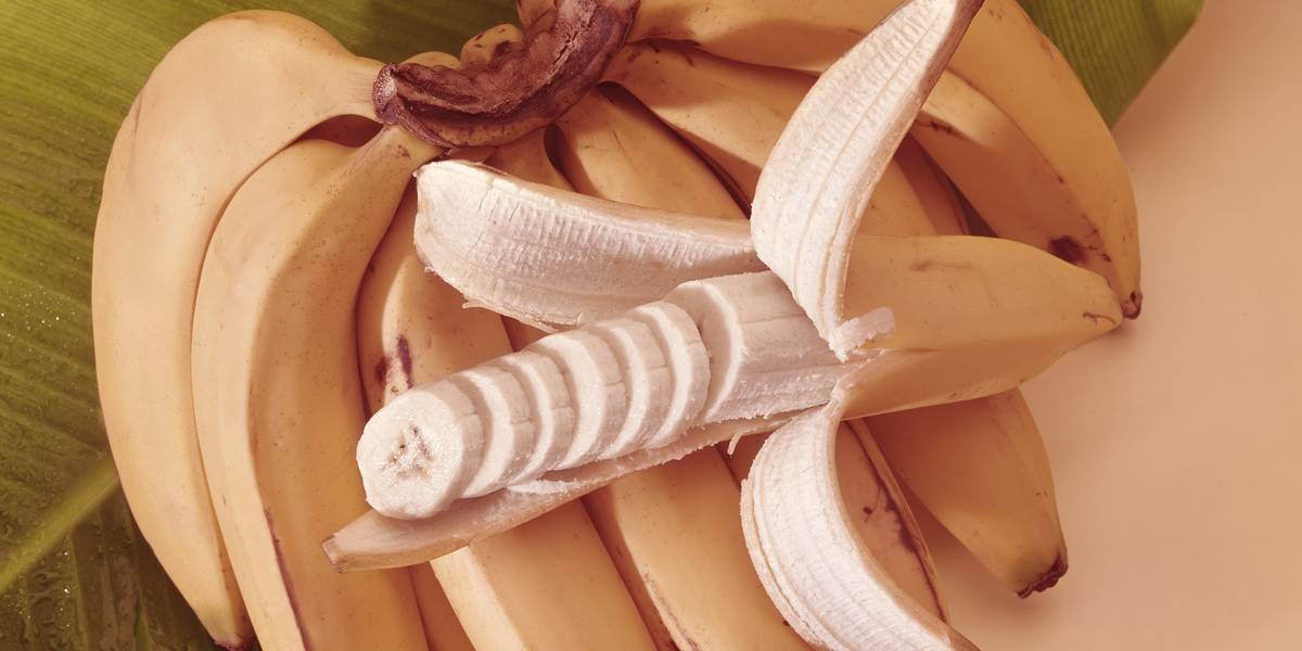 Banana Peel Hacks That Will Make You Wonder Why You Ever Threw One Away