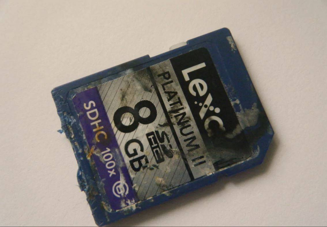 A photo shows a camera memory card that was underwater for two years.