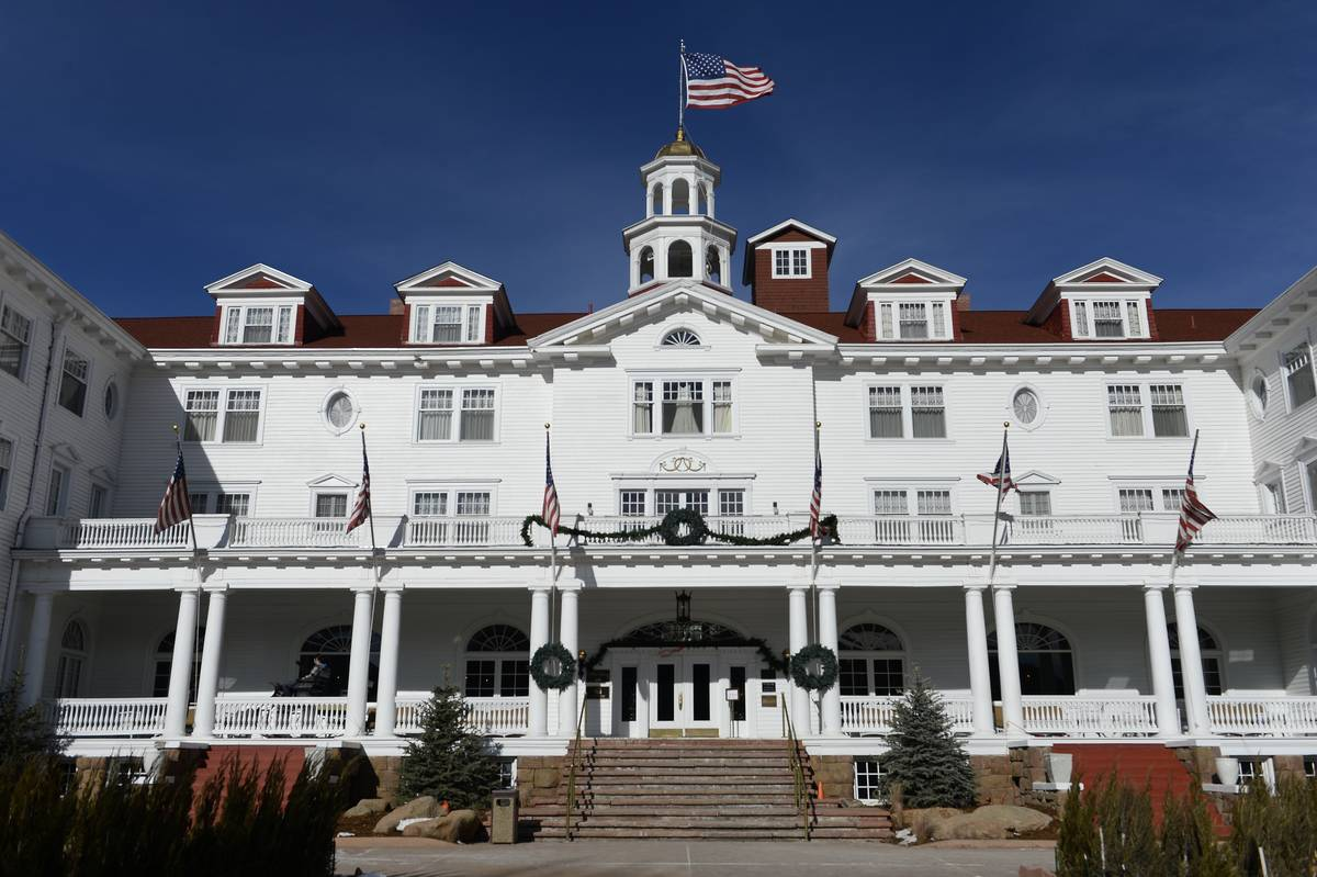 The beautiful Stanley Hotel is pictured from the front.