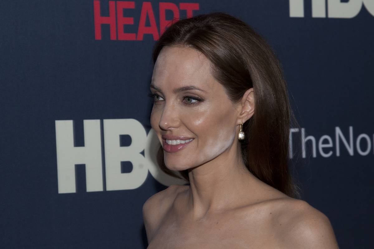 Angelina Jolie Forgot She had Powder On Her Face