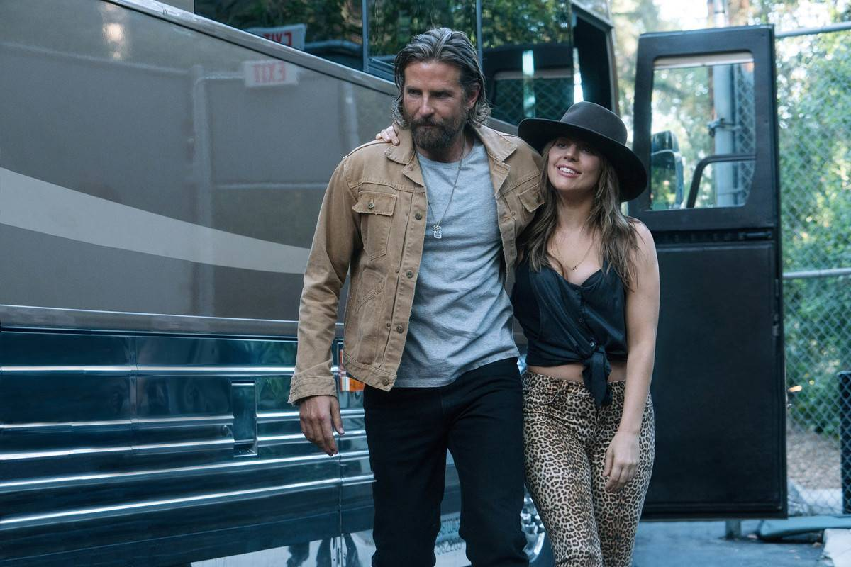 Jackson and Ally in A Star Is Born