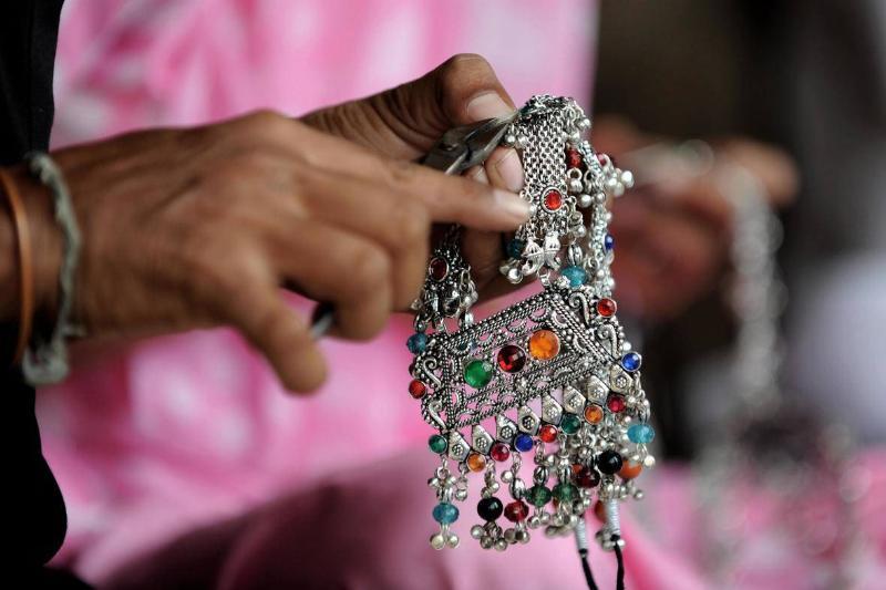 Polish Away Tarnished Metal Jewelry