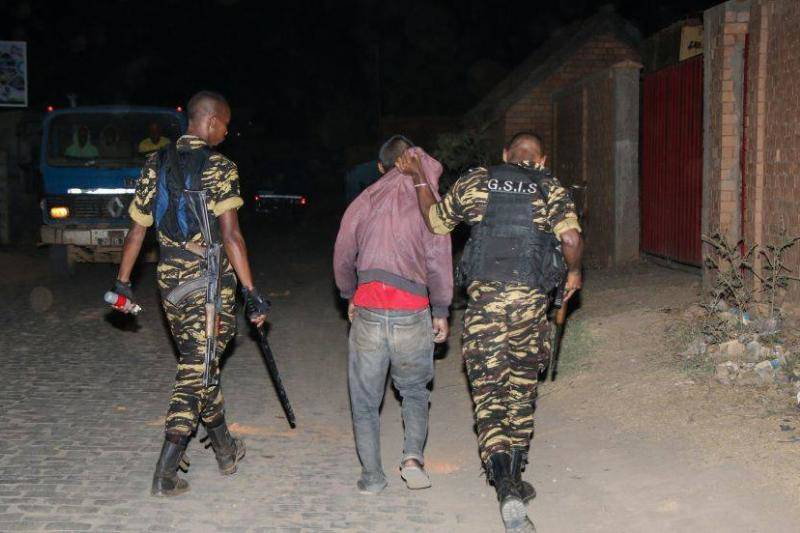 Smugglers Were There When Authorities Arrived