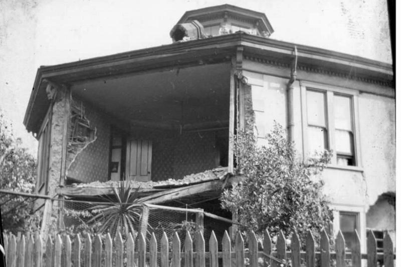damaged-octagon-house-landscape