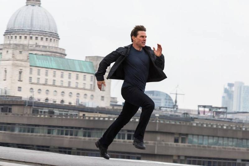 Run, Tom Cruise! Run!