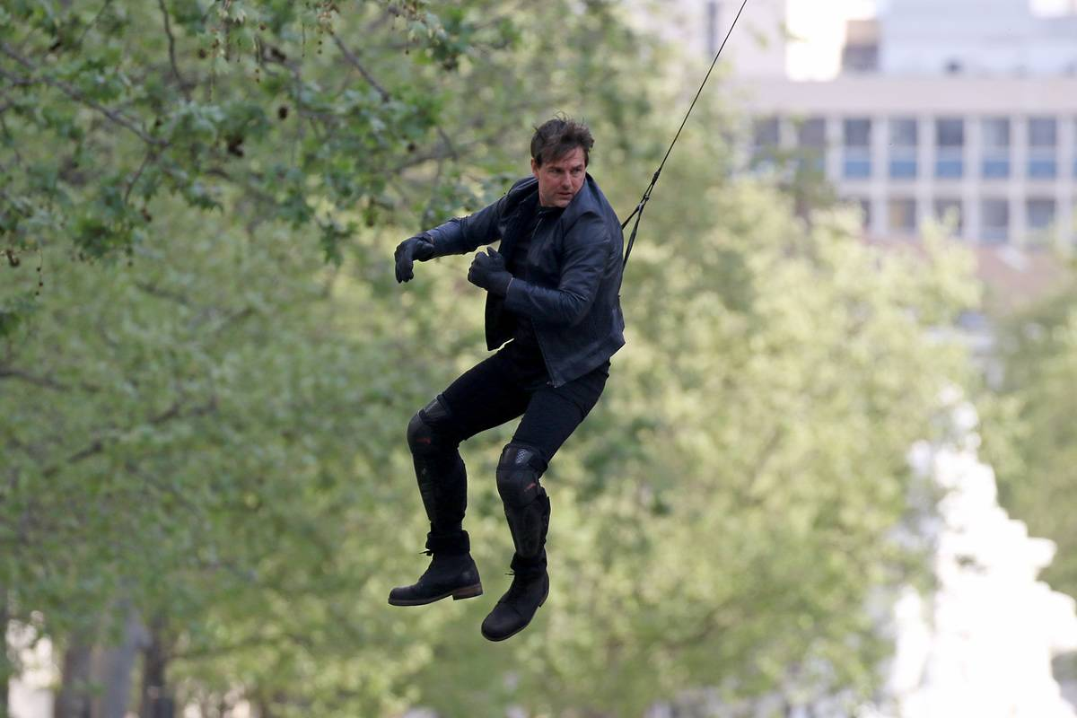 Tom Cruise Likes Doing His Own Stunts
